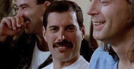 Legendární Freddie Mercury byl trnem v oku puritánů, protáhl princeznu Dianu do gay baru a zemřel v náručí posledního přítele