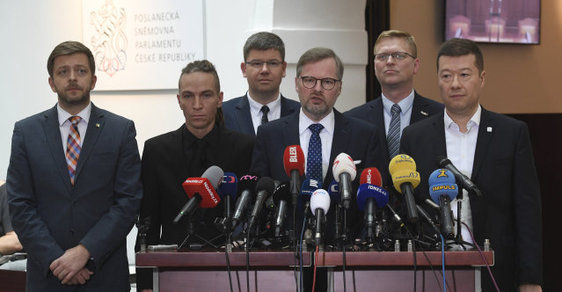 Protibabišovská koalice je jen iluzí, nejednotnost programů i osobní animozity velké koalici stran brání