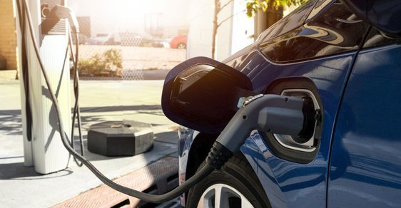 Jsou elektromobily ekologickým řešením, nebo jen hračkou pro dospělé?