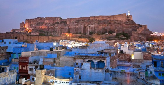 Modré město. To je indický Džódpur na východním okraji Thárské pouště
