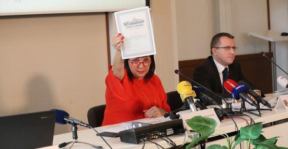 Ministrině Schillerová představovala certifikát Dluhopisu Republika
