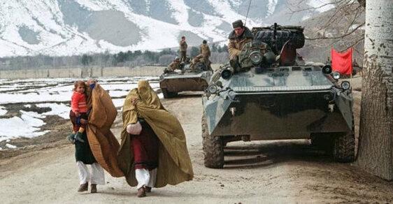 10 let okupace: Sovětský ústup z Afghánistánu na působivých snímcích
