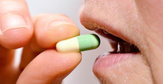 Z vlastní kapsy lidé nejvíc vydávají peníze na léky