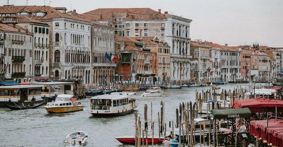Benátky budou vybírat od všech turistů nový poplatek.