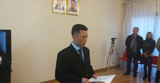 Severokorejský velvyslanec v Římě Čo Song-ki přeběhl, informoval list La Republica