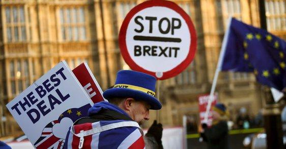 Lidé si odchod z EU zvolili v referendu