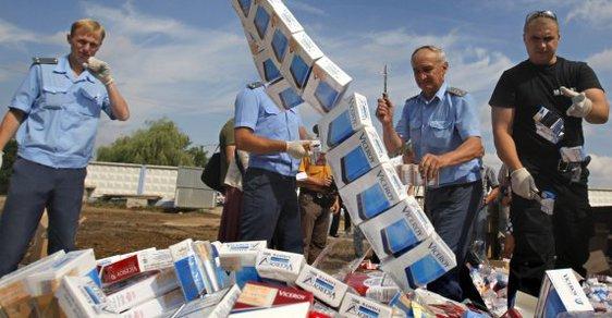 Likvidace tabáku zabaveného úřady (ilustrační foto)