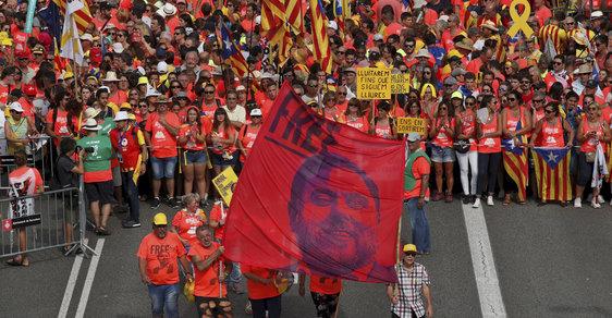 Demonstrace za propuštění bývalého katalánského vicepremiéra a exministra hospodářství a financí Oriola Junquerase.