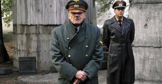 Parodoval nadřízené Hitlerem, za vyhazov teď dostane milionové odškodné. Meme prý není urážka