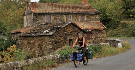 Jak si vychutnat krásy jižní Francie? Vydejte se na kole podél řeky Tarn