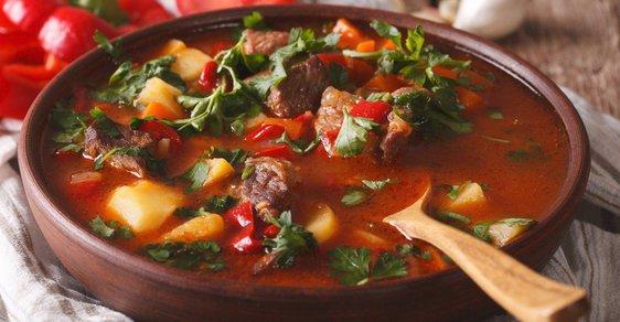 Chcete se na cestách pořádně najíst? Maďarská kuchyně oblaží chuťové buňky nejednoho Čecha