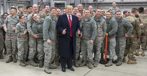 Donald Trump, fanoušek armády.