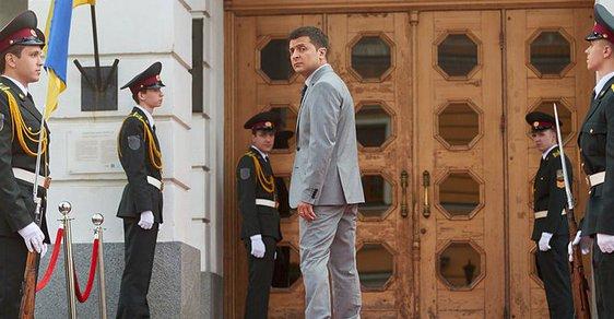 Prezidentský zázrak na Ukrajině? Hrdina seriálu hrál prezidenta, teď je favoritem skutečných voleb