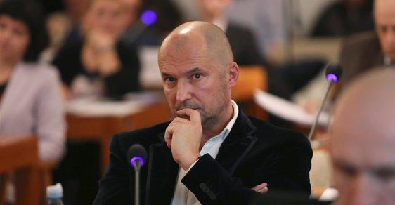 Radnho Jiřího Švachulu (53, ANO) měli zatknout detektivové z Národní centrály proti organizovanému zločinu po zásahu na radnici Brno-střed.