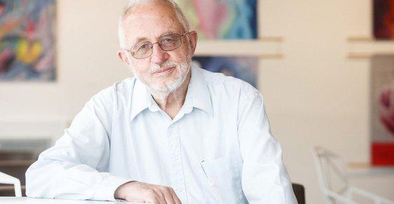 Nejcitovanější český vědec, eso z laboratoře i generál armády chemiků. Josef Michl slaví osmdesátiny