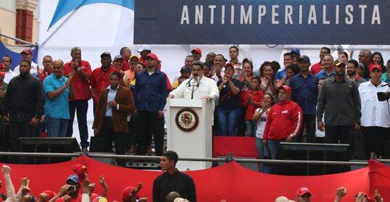 Blíží se úder? Spojené státy z Venezuely stahují všechny své zbývající diplomaty