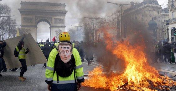 Nechte Francouze, povraždí se sami. Země galského kohouta opět požírá děti své revoluce