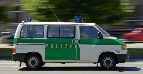 Policie v Německu zatkla islámské radikály, jsou podezřelí z přípravy teroristického útoku - ilustrační snímek