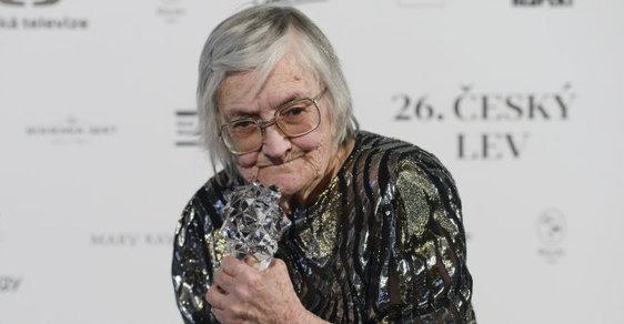 Českého Lva za přínos získala Věra Plívová-Šimková, autorka filmů o dětech, které ještě neměly mobily