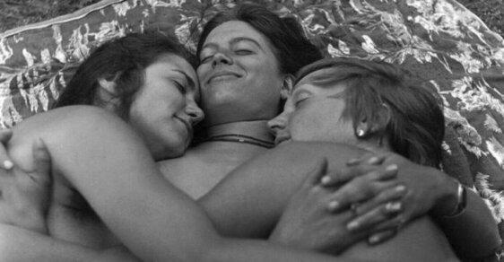 Nahlédněte do života v lesbické komuně prostřednictvím unikátních fotografií