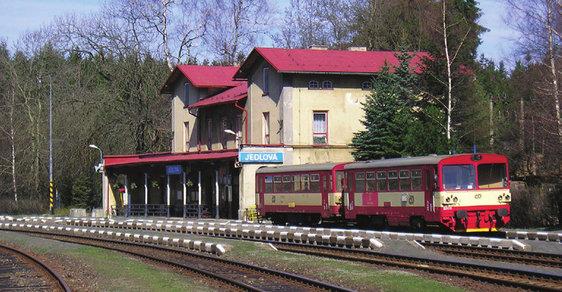 Jedlová v Lužických horách: Vydejte se na jedno z nejkrásnějších českých nádraží