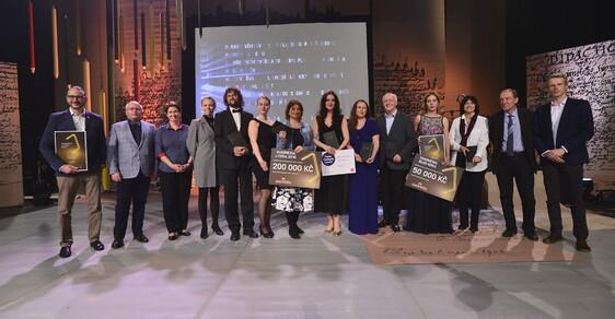 Knižní ceny Magnesia Litera uděleny. Nejsledovanější kategorie ovládly romány ženských autorek