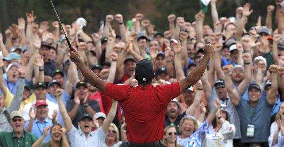 Golfový král Tiger Woods si s fanoušky užívá pátý vysněný triumf na MAsters v Augustě!