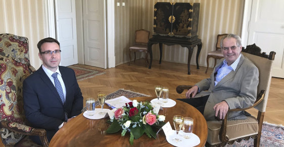 Budoucí ministr dopravy Vladimír Kremlík a prezident Miloš Zeman