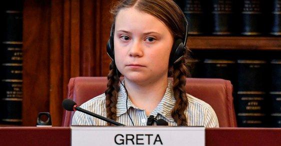 Boj za lepší klima rozjela mladá aktivista Greta Thunbergová (16) ve Švédsku v roce 2018, nyní jezdí po celém světě a ocenil ji i papež