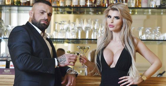 Bojovníka Karlose Vémolu vydíral bratr videem ze skupinového sexu, chtěl po něm milion
