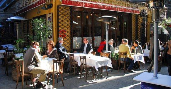 Turecký fenomén jménem meyhane: Bary přátelství a radosti, kde nepohrdne alkoholem ani muslim