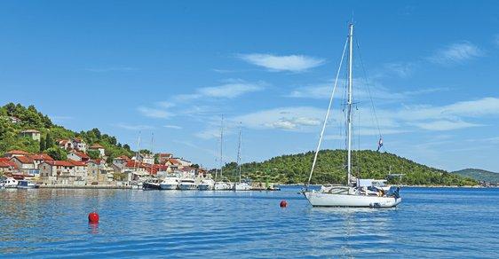 Utajené jadranské klenoty. To jsou chorvatské ostrůvky Zlarin, Krapanj a Kaprije