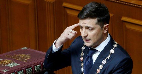 Strana prezidenta Zelenského má šanci získat v ukrajinském parlamentu většinu, ukazují dílčí volební výsledky