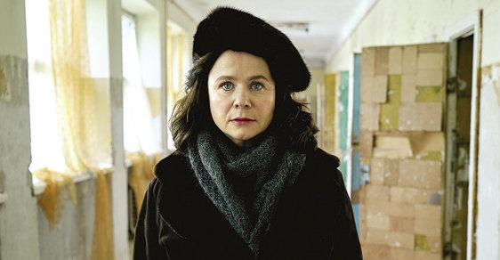Emily Watsonová jako jaderná vědkyně, která se pokouší řešit černobylskou krizi přes odpor úřadů