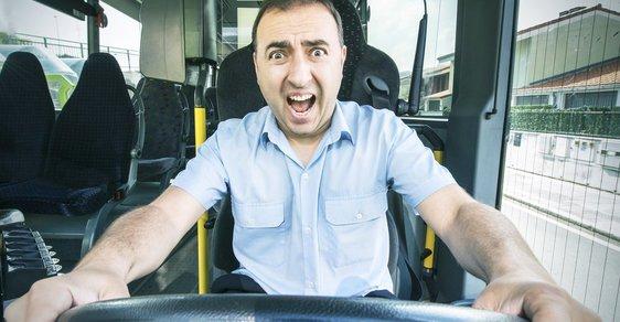 Co uděláte, když řidič autobusu zešílí?