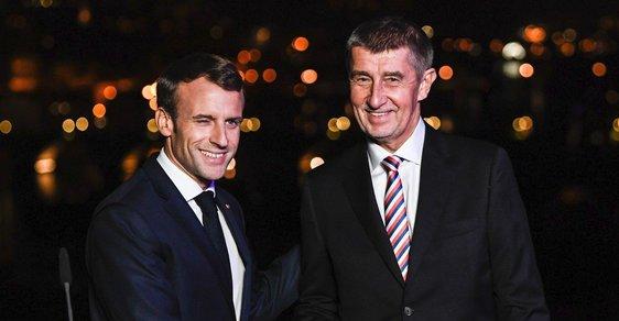 Francouzský prezident Emmanuel Macron na návštěve v Praze s českým premiérem Andrejem Babišem