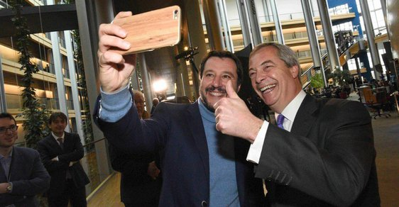 Matteo Salvini a Nigel Farage