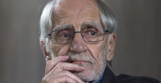 Zemřel spisovatel a bývalý politický vězeň Jiří Stránský. Autor Zdivočelé země odešel ve věku  87 let
