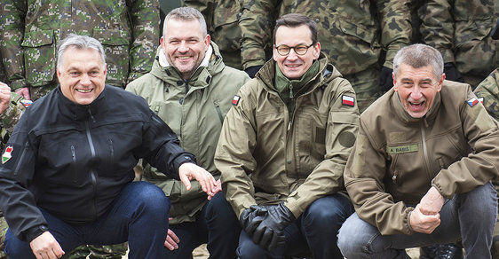 "Premiérská ""V4"": Viktor Orbán, Peter Pellegrini, Mateusz Morawiecki aAndrej Babiš"