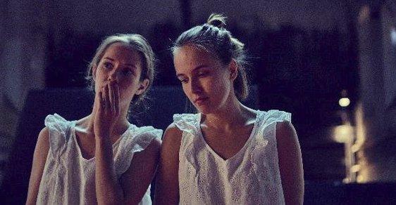 Amerikánka, současné drama o svobodě, touze žít i osamělosti, vznikla v produkci a režii Viktora Tauše. Hlavní hrdinkou je Ema Černá a hrají ji dvě herečky, Tereza Voříšková a Eliška Křenková.
