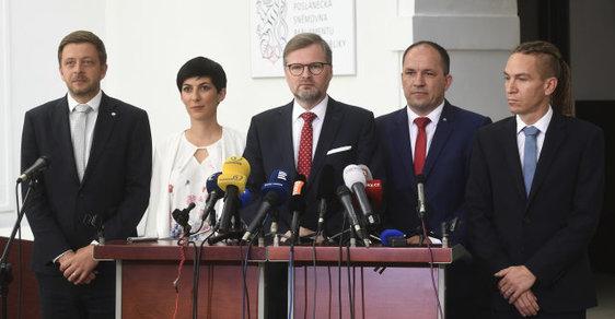 Představitelé opozičních stran. Zleva Vít Rakušan, Markéta Pekarová Adamová, Petr Fiala, Marek výborný a Ivan Bartoš.