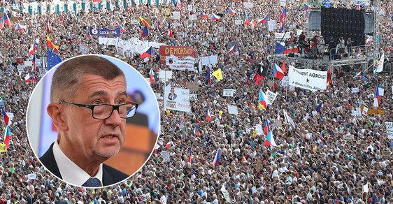 Na Letné protestovalo 258 tisíc lidí