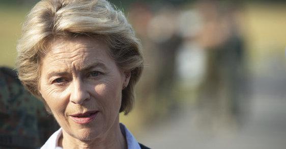 Ursula von der Leyenová, německá ministryně obrany a překvapivě horká kandidátka na post předsedkyně Evropské komise