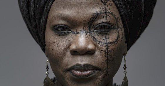 Bluesrocková zpěvačka Moonlight Benjamin hledá inspiraci mimo jiné ve voodoo