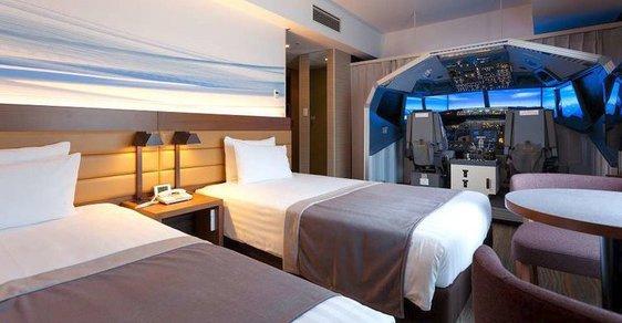 Pokoj nazvaný Superior Cockpit Room v hotelu Haneda Excel v japonském Tokiu.