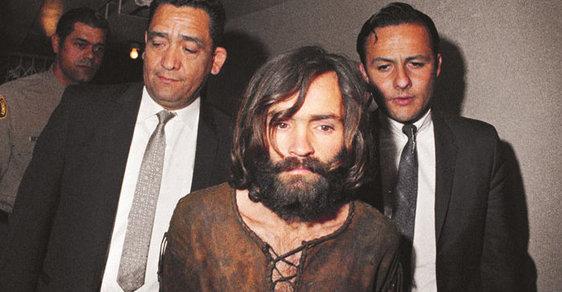 Charles Manson: Krvavý kejklíř a psychopat, který svými zločiny navždy změnil tvář Ameriky