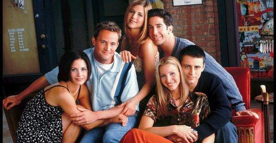 Legendární Přátelé se vrací. Původní herci ze seriálu se sejdou a natočí speciál. Kde ho uvidíme?