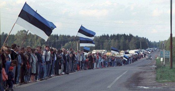 Milion a půl lidí z Pobaltí vytvořilo před 30 lety lidský řetěz. Baltská cesta byla předzvěstí pádu SSSR