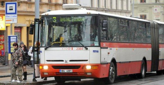 Autobusy v Brně zná M. D. velmi dobře...