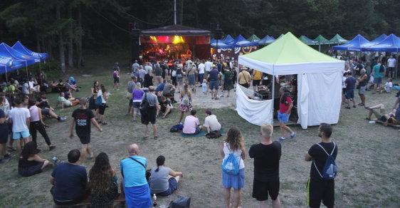 Když se v Rumunsku cítíte jako doma: Festival Banát je přehlídkou hudby a dobré nálady i gurmánským zážitkem